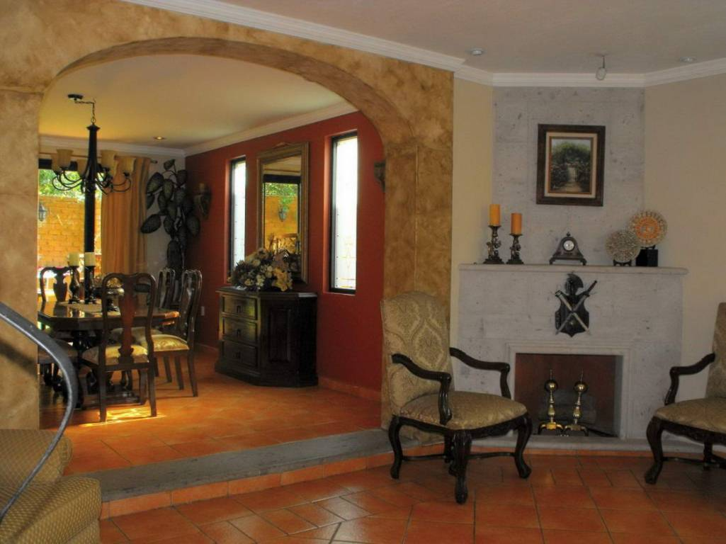 Home design from mexico for Dining room entrance