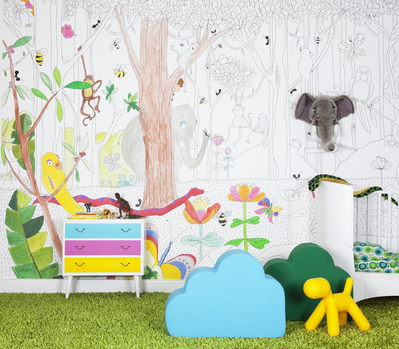 Jungle Dudes  A wallpaper offering numerous possibilities. Here the  mini-Picasso can color the mystical story about the hidden jungle animals.