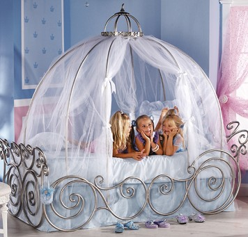 fairytale canopy beds for your little princess