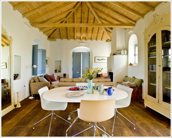 Here A More Rustic Look Is Given To The Interior With A Domed Wooden  Panelled Ceiling And A Floor That Is Also Of Wood.