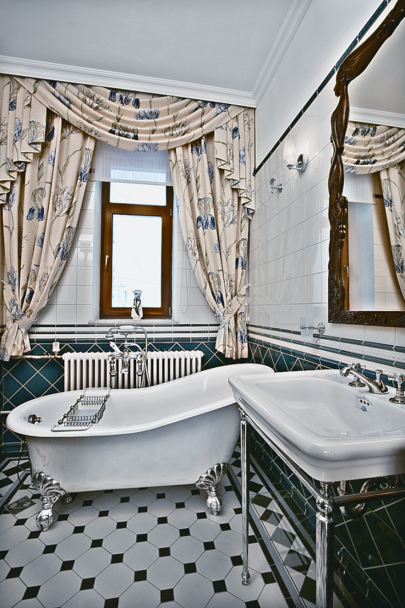 Art nouveau interior design ideas for Art for bathroom ideas