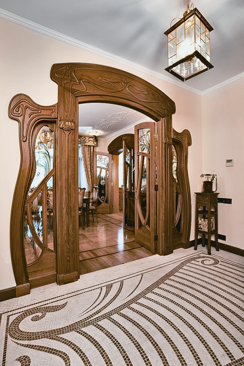Art nouveau interior design ideas for Art room door decoration