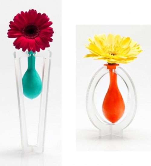 diy-latex-baloon-vases-3-500x550