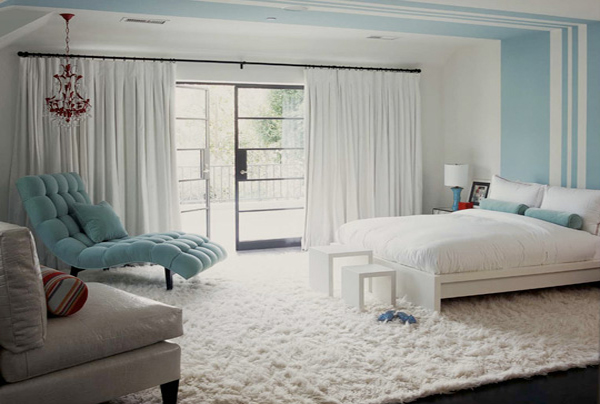 Bedroom decorating ideas with bedroom rug for Rug in bedroom
