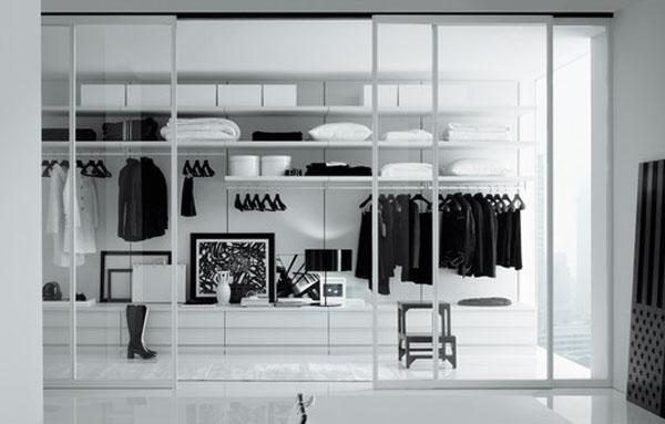 Minimalistic Walk In Closet