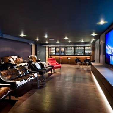 Spacious and  Bold Home Cinema Design