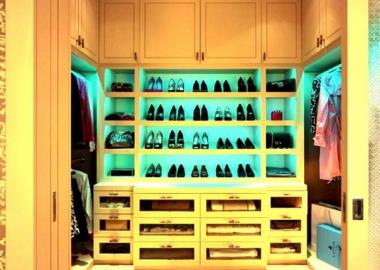 Stylish Walk In Closet