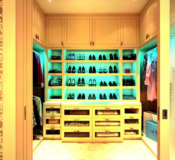 Stuning walk in closets design for Walk in closet decor