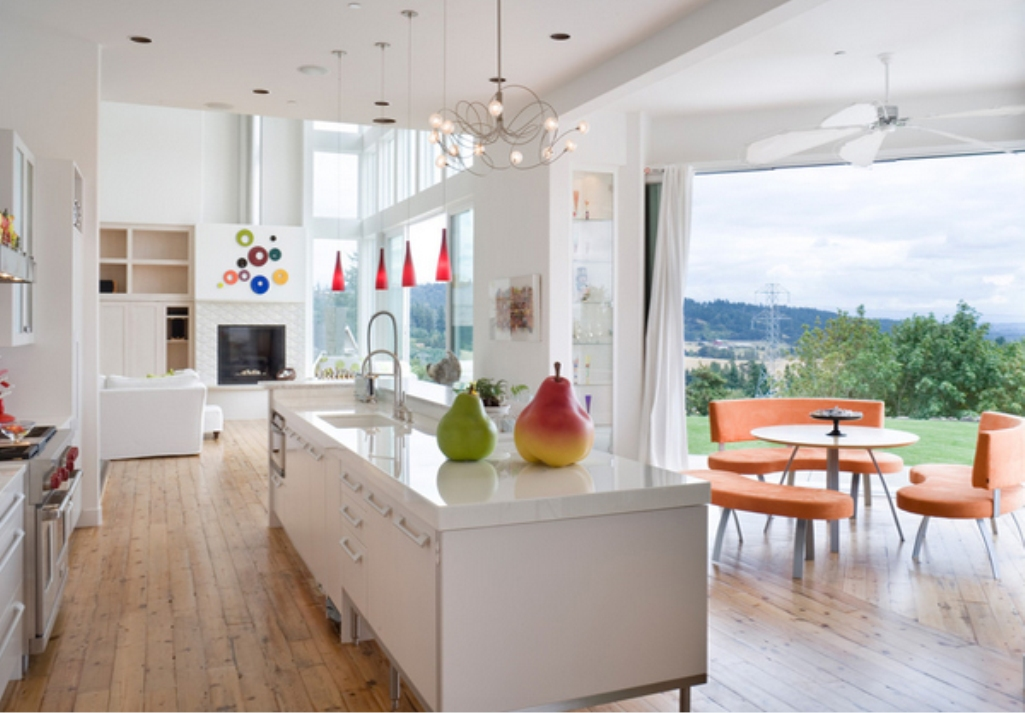 Cozzy and Sophisticated White Kitchen Design