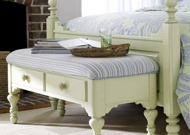 Sophisticated  and Elegant Storage Bench