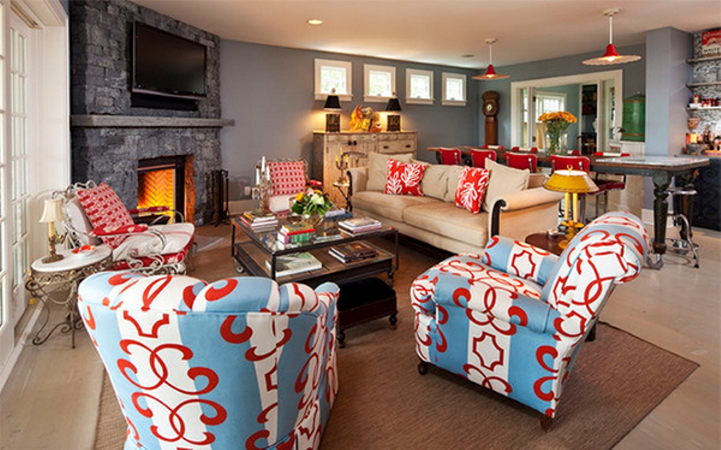 Stuning Printed Country Furniture