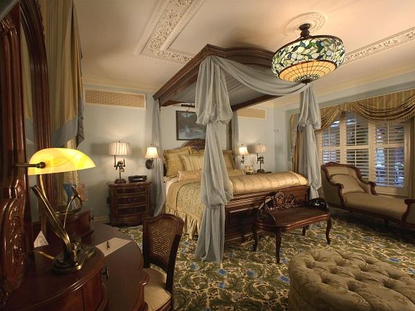 8. Image Source: Bedroom Design Pedia