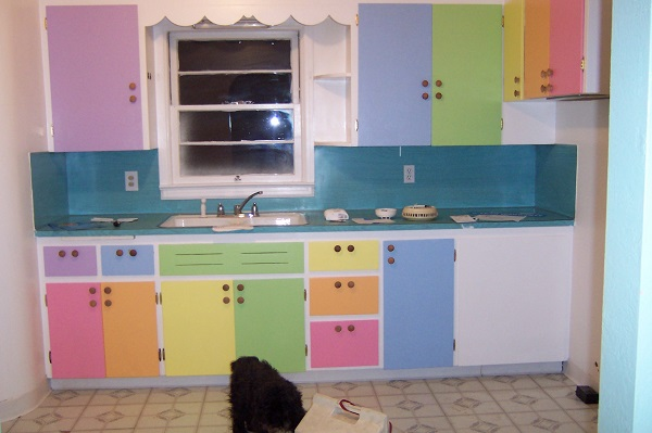 trying colourful kitchens for a change