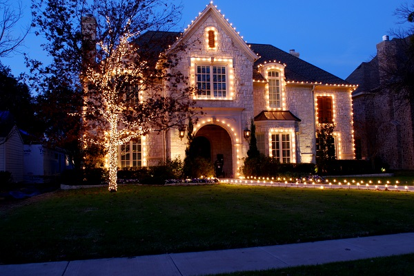 4. See more designs at: Outdoor Lighting Experts