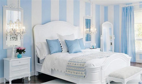 Dazziling Bedrooms With Striped Walls