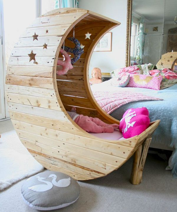 Pamper Your Little One With Unique Baby Cribs