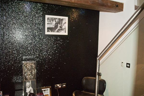 make your room sparkle with glitter walls