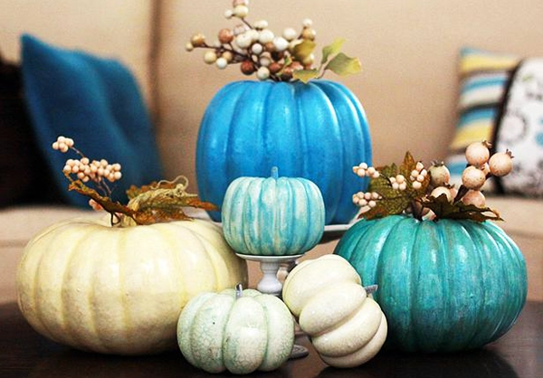 2.Blue pumpkins as a centerpice on the coffee table