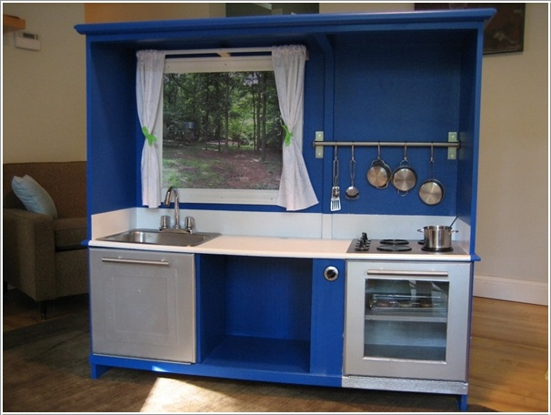 Transform an old tv cabinet into a play kitchen for your for Fake kitchen set