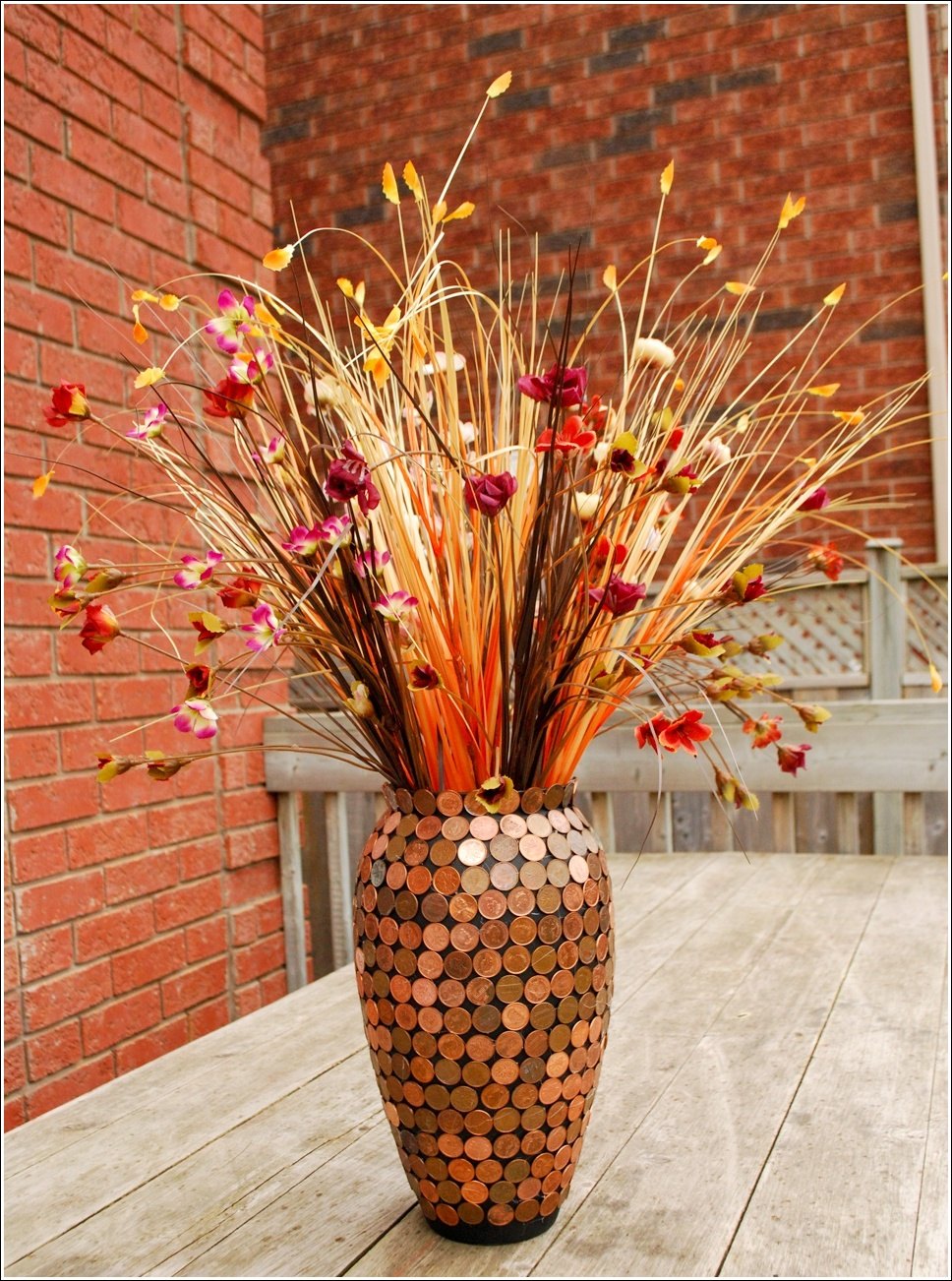 Would you like to decorate a vase with just coins - Flower vase decoration ideas ...