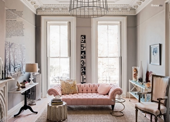Chic Living Room With Pastel Pink Sofa