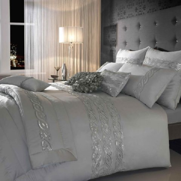 Amazing Interior Design Choosing Silver Bedroom Décor for a Romantic ...