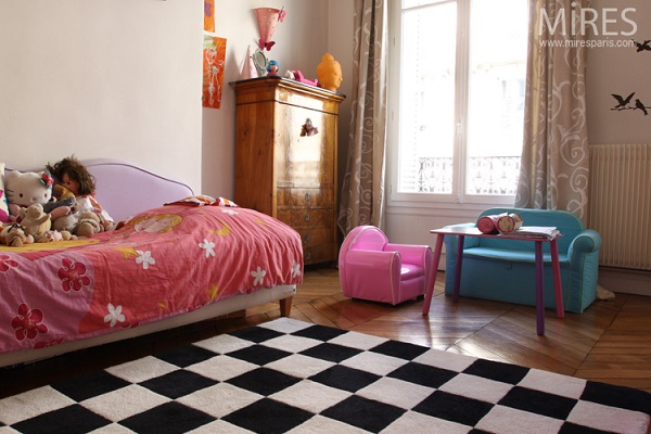 Make Your House Dramatic Checkered Carpets