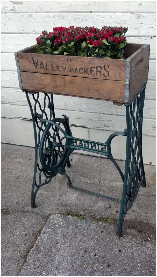 5 Ideas To Decorate With Old Sewing Machine Stands