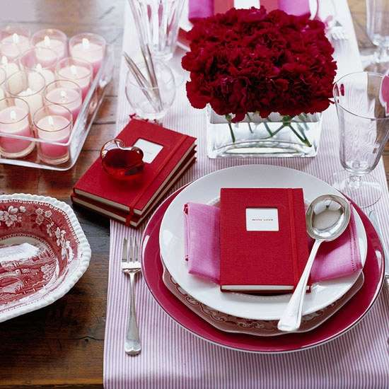 How To Get The Perfect Romantic Dinner Table Setting For