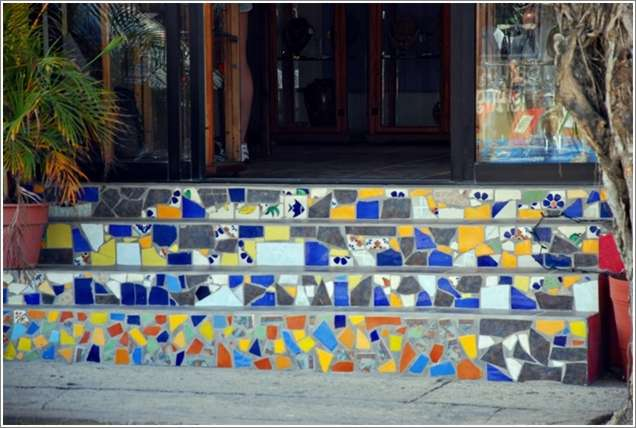 5 totally awesome ideas to recycle broken tiles