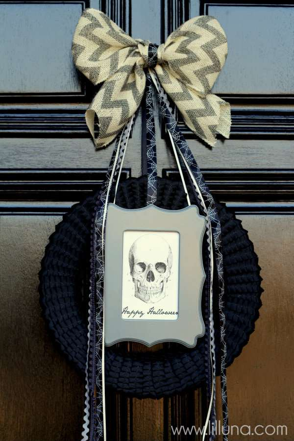Spooky-Ribbon-Halloween-Wreath-wreath