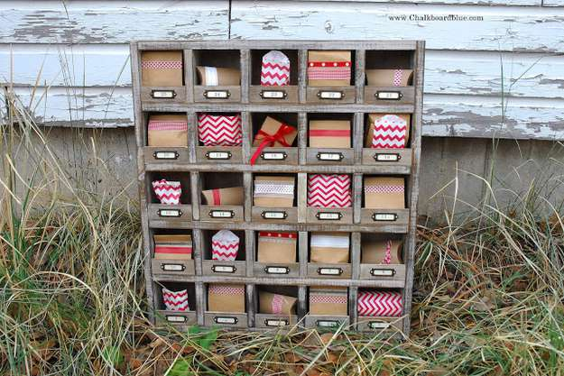vintage hotel inspired cubby organizer