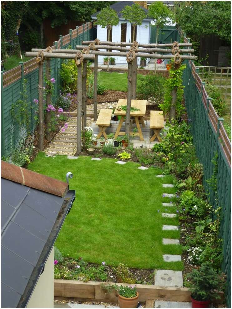 10 awesome ideas to design long and narrow outdoor spaces for Outdoor landscape plans