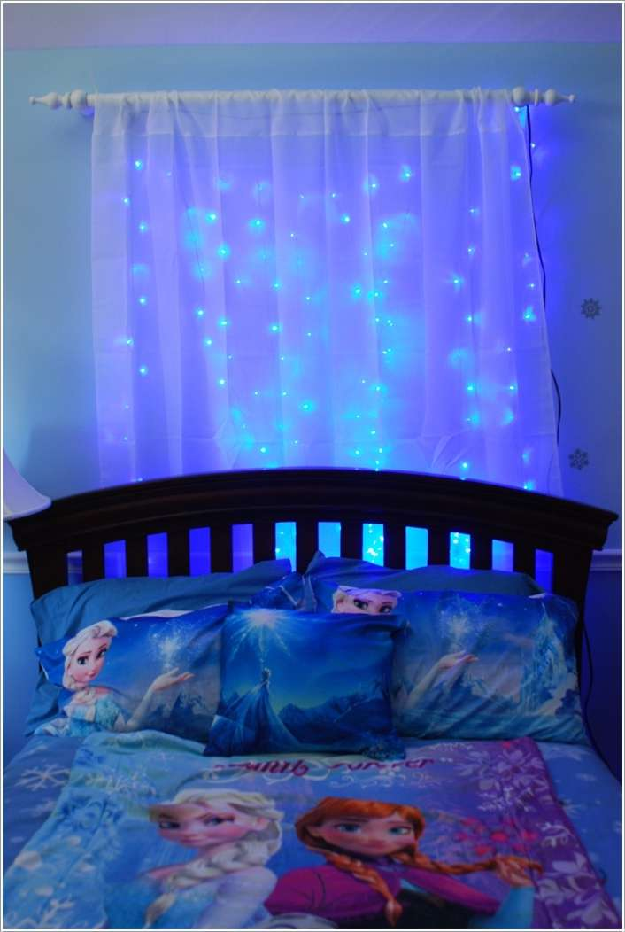 Purple toddler bedding for girls - Sheer Curtain Behind The Bed With Blue String Lights
