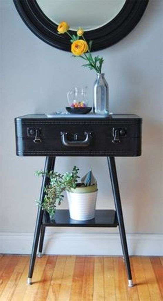 Suitcase as Console table
