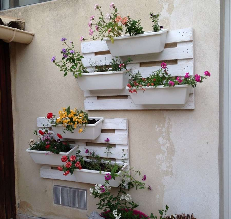 15 Creative Reuse And Recycle Ideas For Interior Decorating: 15 Creative Wall Decor Ideas With Recycled Pallets