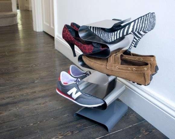 A vertical shoe rack