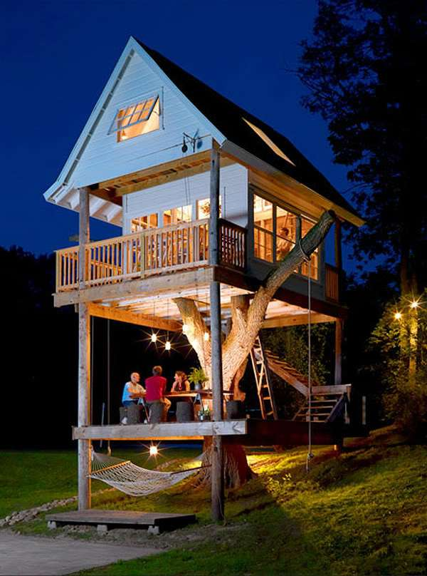 Guest treehouse
