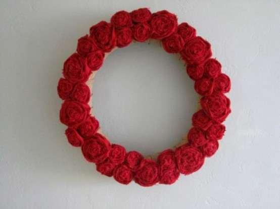 Red Rose Valentine's Wreath .
