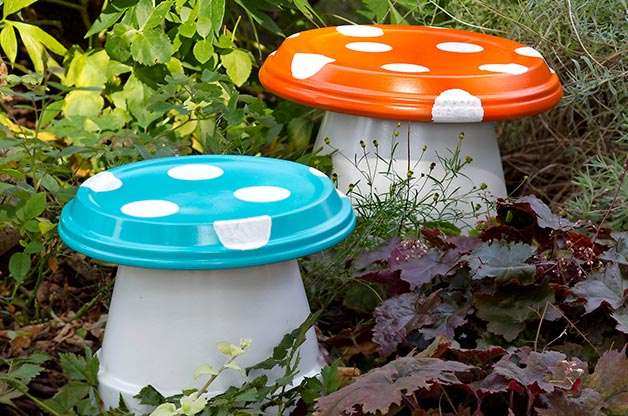 Toadstool benches