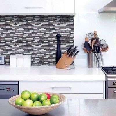Update your kitchen backsplash by using 3D gel