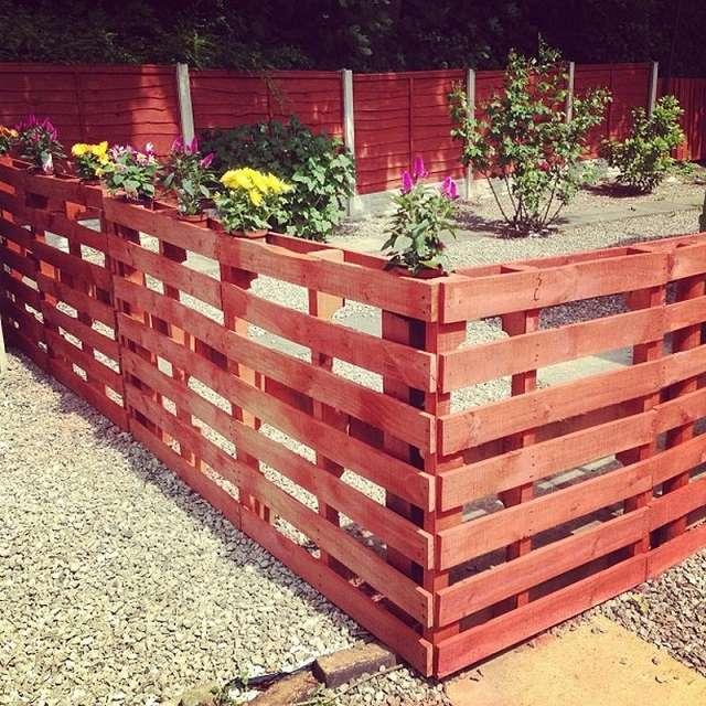 14 DIY Wood Pallet Fence Ideas