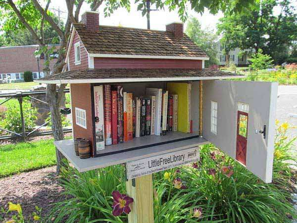Birdhouse Turned Into Outdoor Library