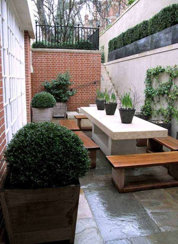 15 cool ideas for narrow and long outdoor spaces for Outdoor patio space ideas