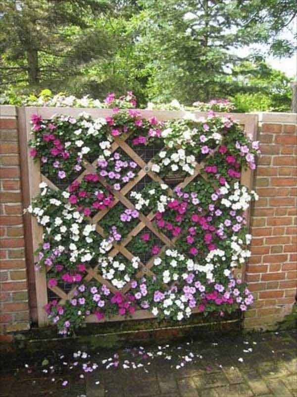 15 superbly creative diy fence design ideas for Pretty fencing ideas