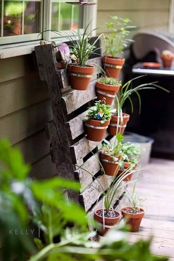 .Pallet herb garden
