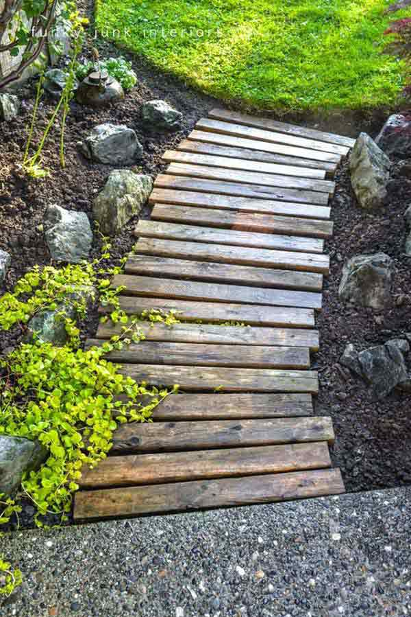 .Pallet wood garden walkway