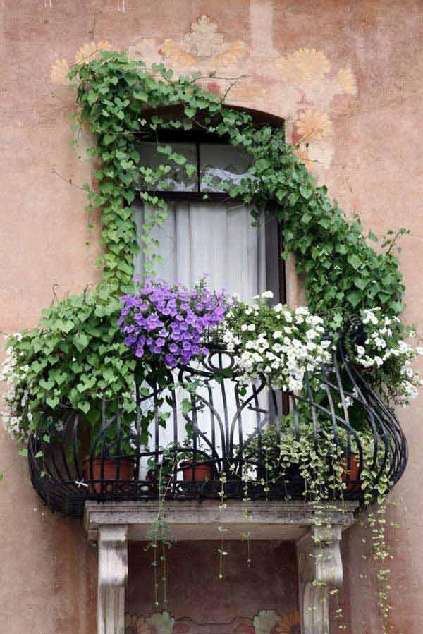 Spectacular-Balcony-Garden-Woohome-5