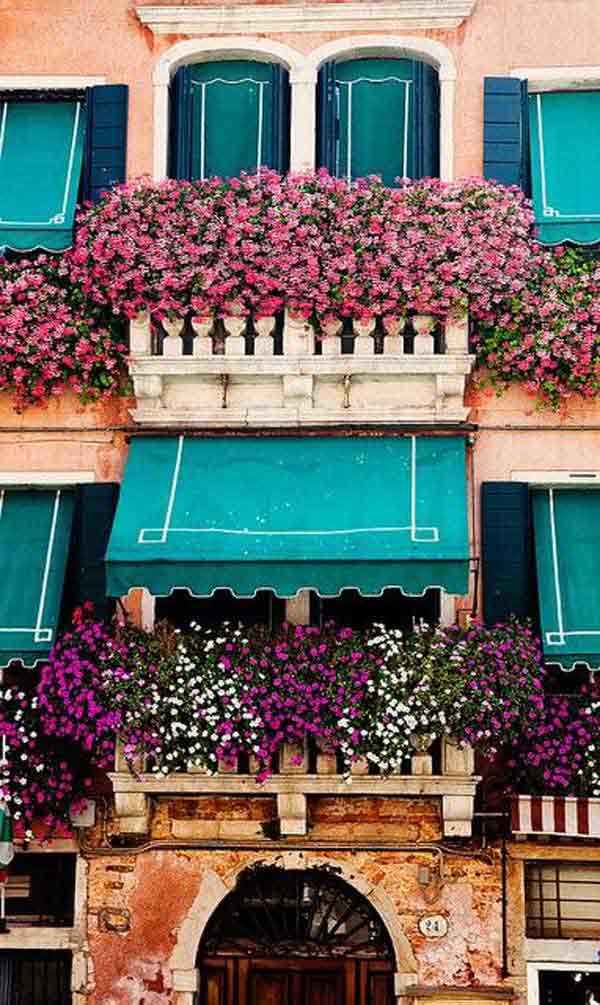 Spectacular-Balcony-Garden-Woohome-7