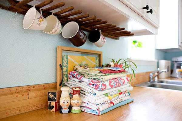 under cabinet coffee mug rack 15 insanely cool diy coffee storage ideas 27464